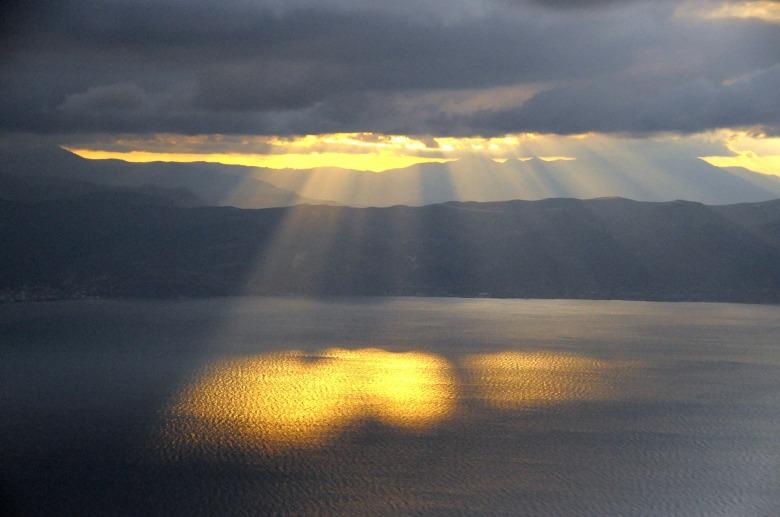 sun-rays-182170_1920