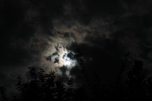 sky darkeninggy0e0-jeroen-andel